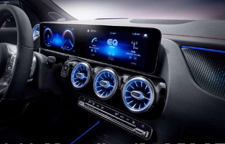 mercedes-benz-eqa-digital-console