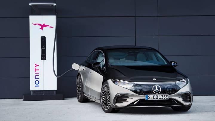 Mercedes EQS DC fast charging
